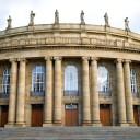 Dans ce cours, vous apprendrez tout ce que vous devez savoir sur l'Opéra de Stuttgart. 9 leçons avec des faits sur ce bâtiment historique