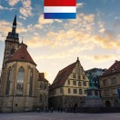 In deze nieuwe les leert u alles over de geschiedenis van de Stiftskirche in Stuttgart. Het ligt in het hart van de stad en direct naast het oude paleis op de Schillerplatz. In de kersttijd vindt u hier de kerstmarkt.
